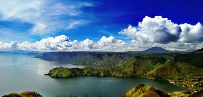 Policy Model of Lake Toba Preservation by Parmalim Community