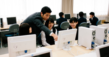 "A Case of Cultural Conflict, Centering around ""Communal Computer"" at a University in Japan as a Transcultural Contact Zone"